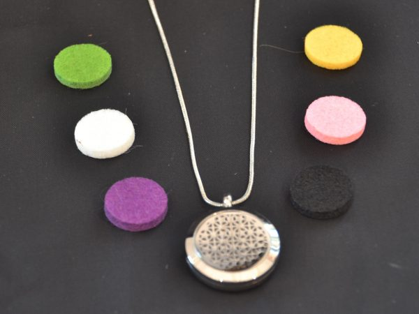 Aromatherapy Necklace Small - Stars with Assorted Oil Pads (2)